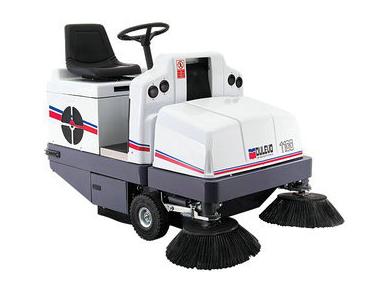 重工業駕駛式掃地機
